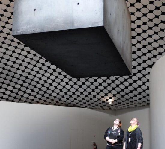 Amos Rex taidemuseo ylläpitosiivous siivouspäivystäjä